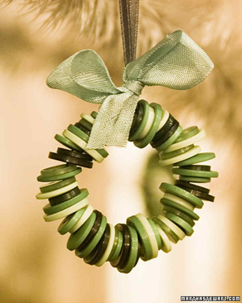 Button Wreath Christmas Tree Ornaments