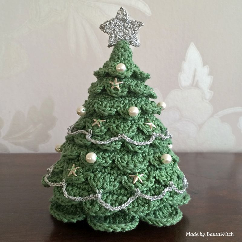 Crocheted Christmas Trees If you are into crocheting, then it is right time to make some cute crocheted Christmas ornaments and decorations. Show off you skills by making a small or a life-sized Christmas tree. They would be great addition into home décor on Christmas.
