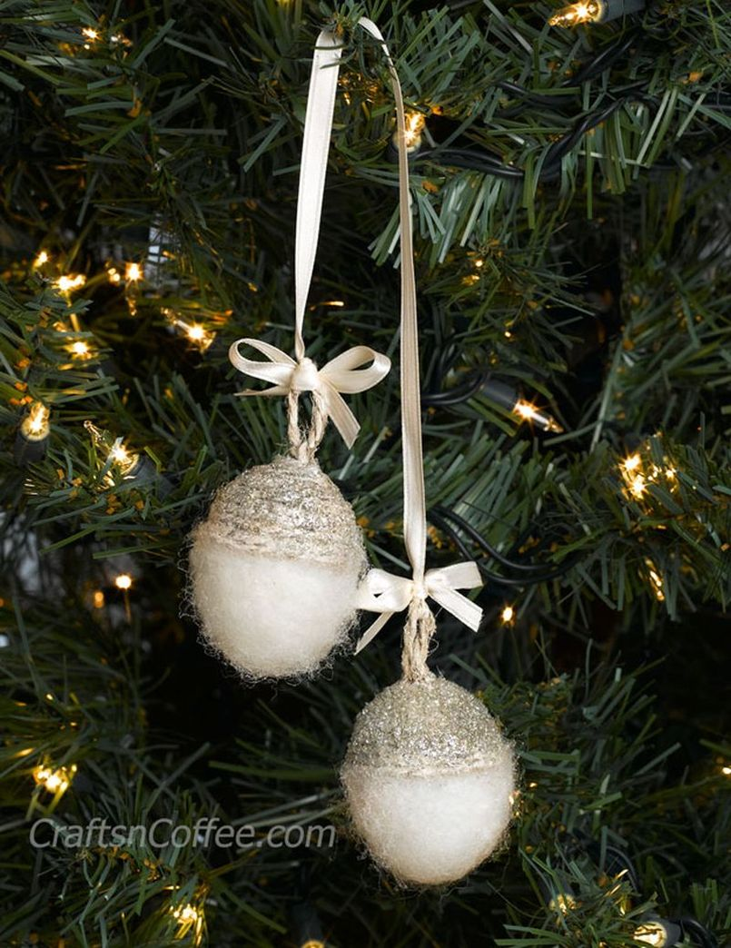 DIY Needle-Felted Acorn ornaments