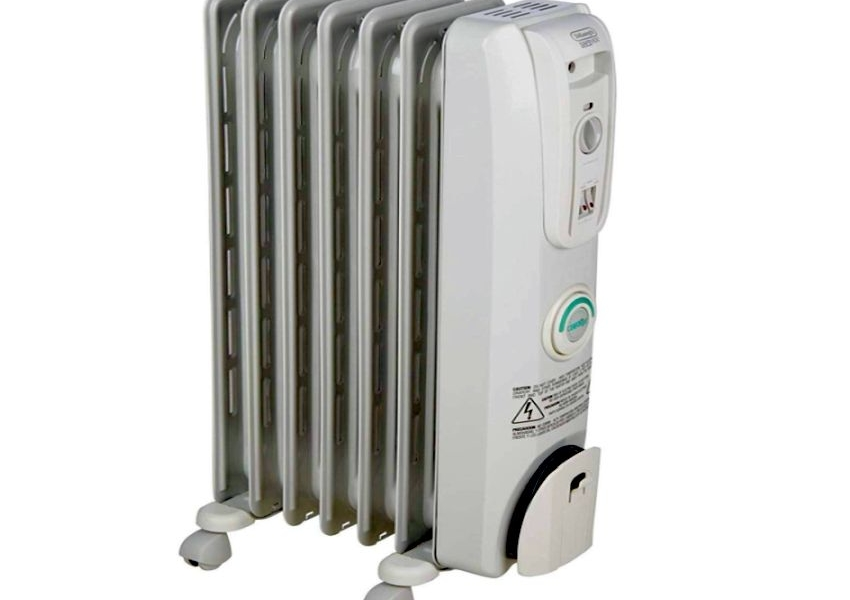 DeLonghi ComforTemp Portable Oil-Filled Radiator - Gifts for him