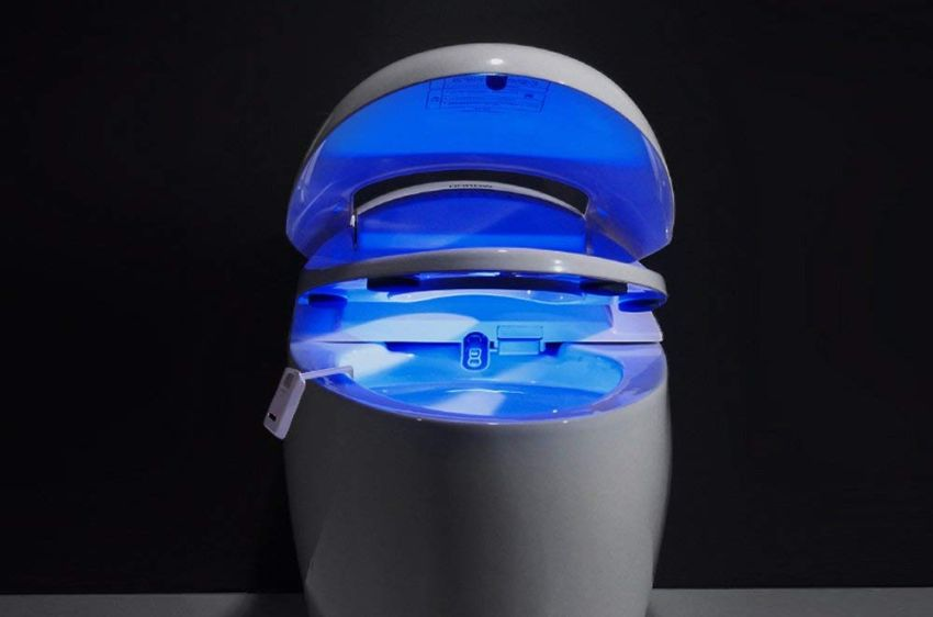 Motion-activated toilet night light