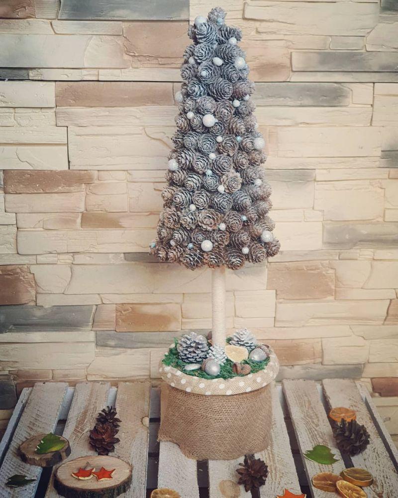 Pinecone Alternative Christmas Tree
