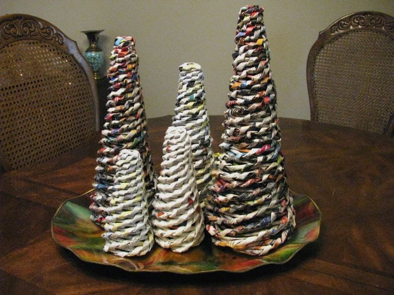 Tabletop Christmas tree from Newpapers