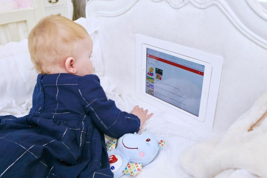 World's First Smart Cot with Built-In iPad
