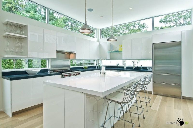 Modern clerestory windows for kitchen