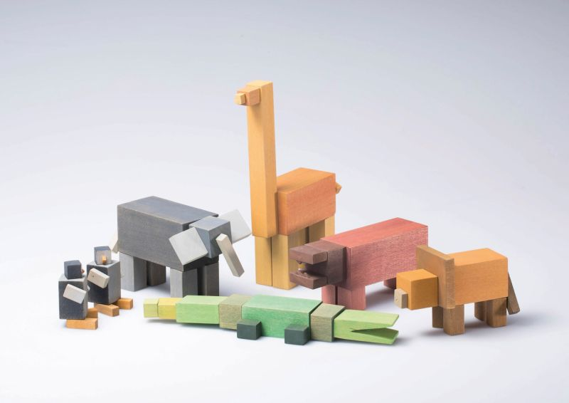 A Day at the Zoo – magnet-powered building blocks by Julian Marticke