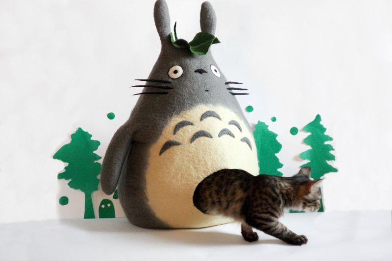Felt Cat Houses Shaped like Animals, Pumpkins, & More!