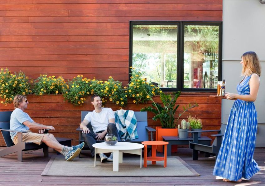 loll designs outdoor furniture made from recycled plastic rh homecrux com
