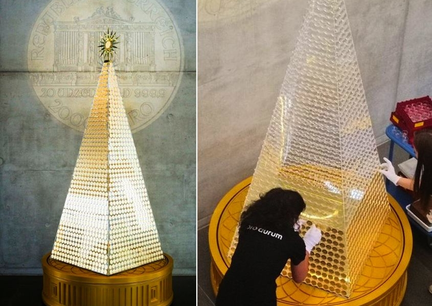 Pro Aurum's Pyramid-Shaped Gold Christmas Tree