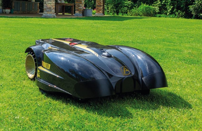 Ambrogio L400i B robotic lawn mower