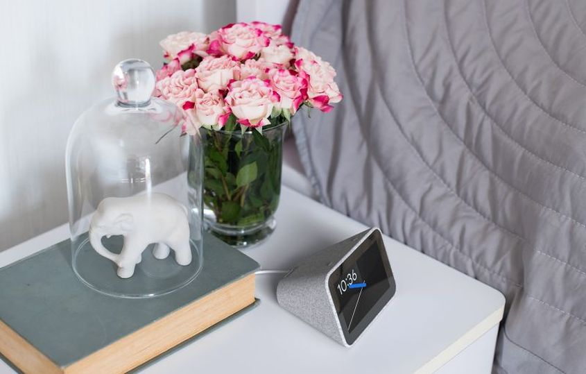 Google Assistant-Powered Lenovo Smart Clock at CES 2019