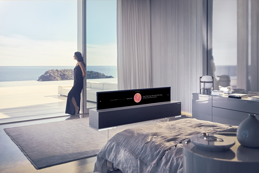 . LG Signature OLED TV R - LG Rollable TV at CES 2019_1