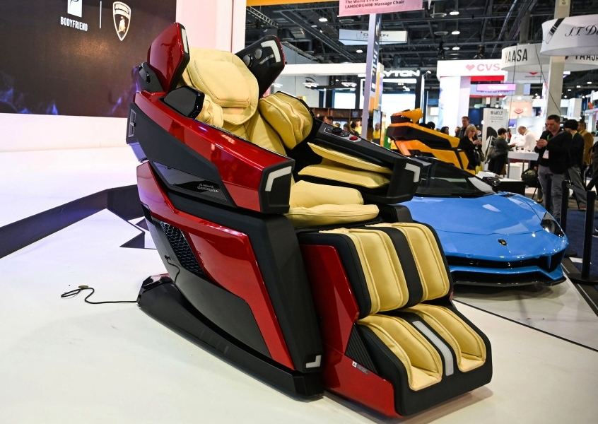 Lamborghini Massage Chair - CES 2019
