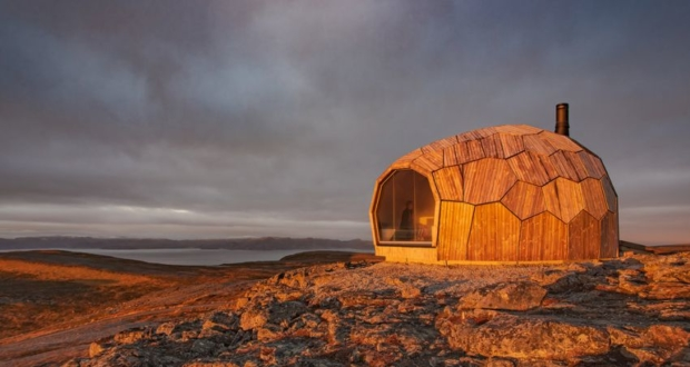 SPINN Arkitekter Builds Daytrip Hiking Cabins in Hammerfest, Norway