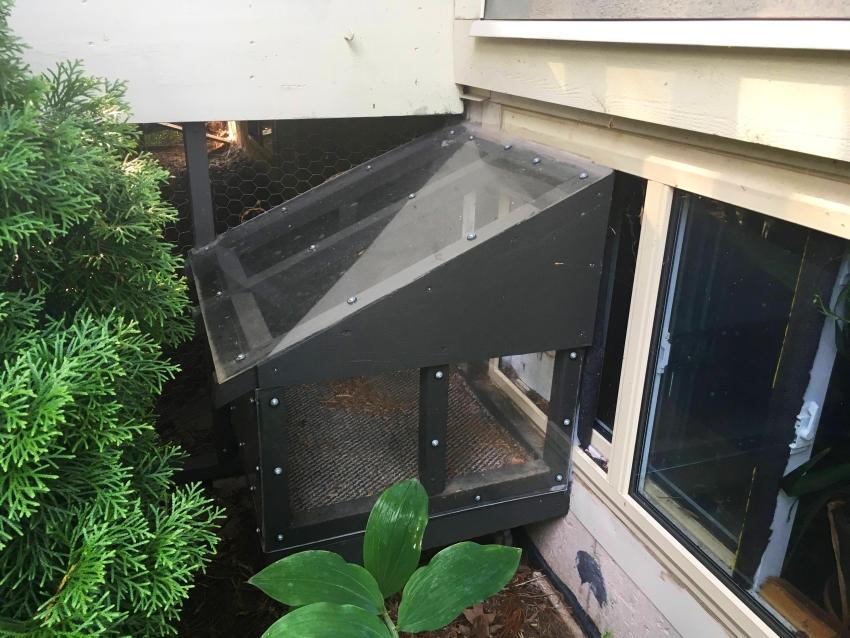 Outdoor Cat Treehouse - DIY