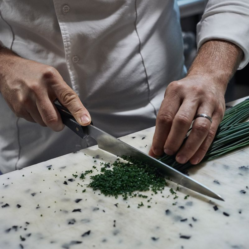 Kitchen Knife Made from Recycled Carbon Fiber from Aerospace Industry