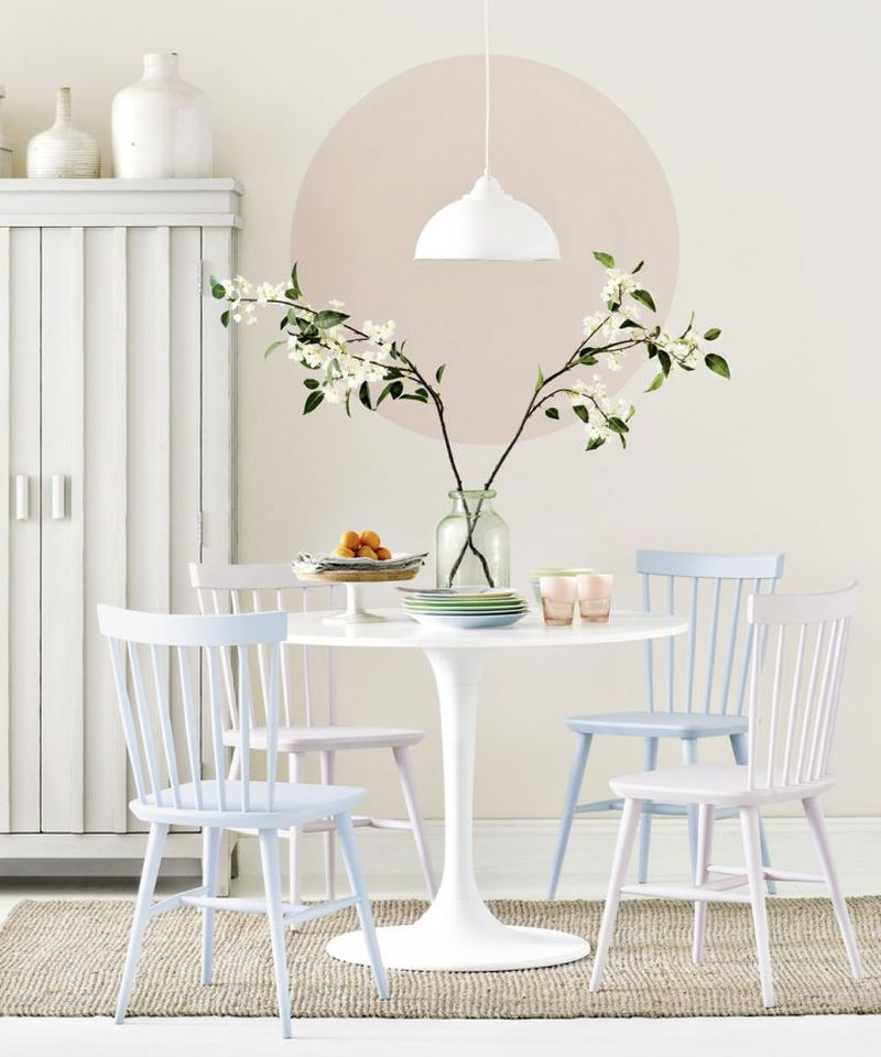 Round dining table for small space