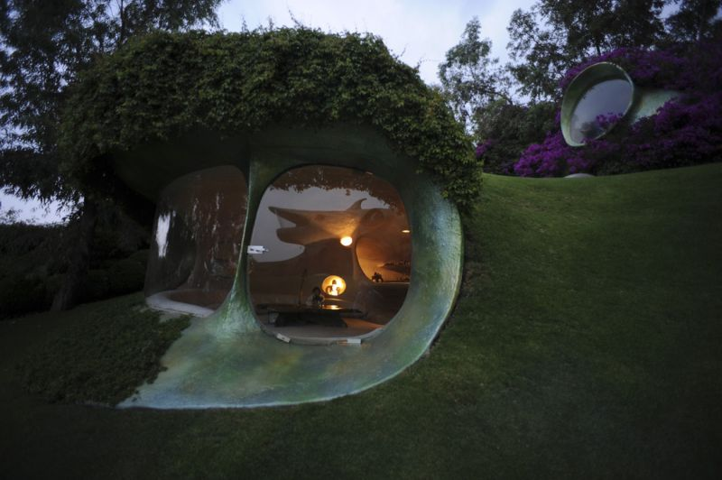 Underground House in Mexico City by Javier Senosiain
