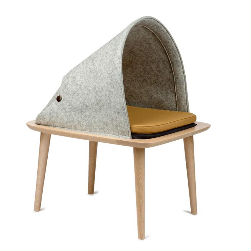 Elevated cat bed by Meyou Paris
