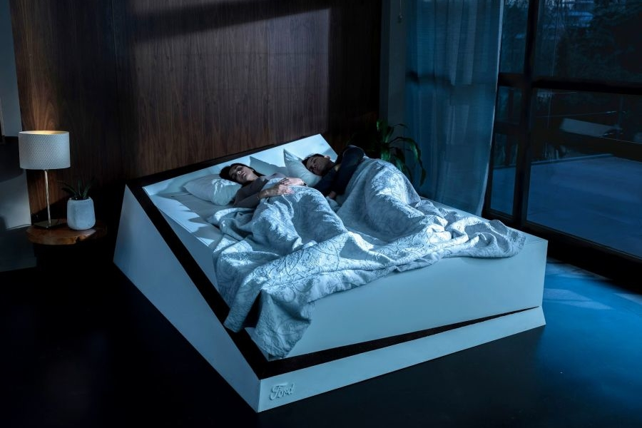 Ford's New Bed Prevents Your Partner from Encroaching Sleeping Space on Bed