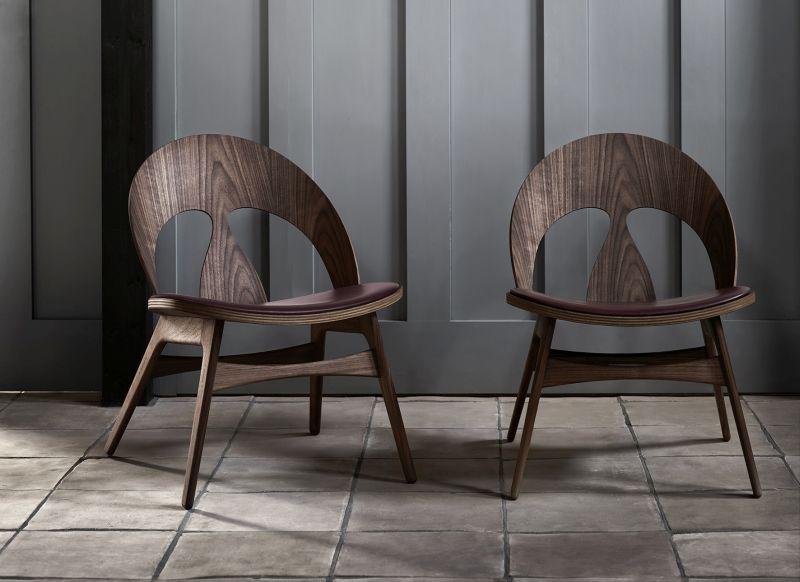 Carl Hansen & Søn Reproduces Iconic Contour Chair by Børge Mogensen