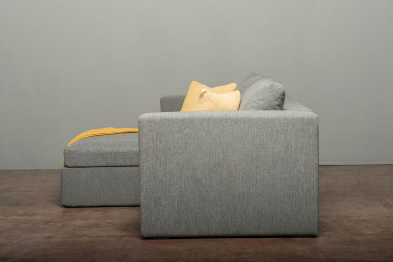 Elephant in a Box Foldable Sofa You can Assemble in Five Minutes