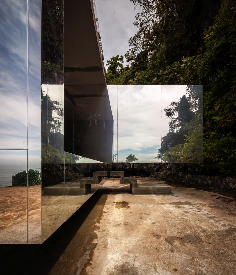 No Sunrise No Sunset Mirror-clad Pavilion by Kamin Lertchaiprasert and Walllasia