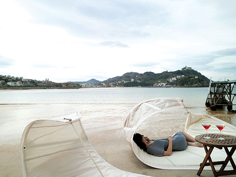 Vaurien Floating Sunbed by DVELAS is Made from Upcycled Sails