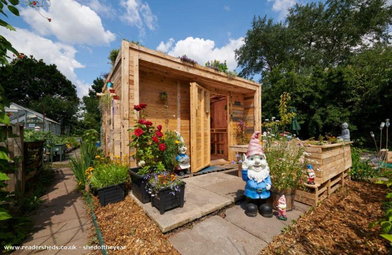 Allotment Recycled Pallet Eco Shed by Andrius Simaska