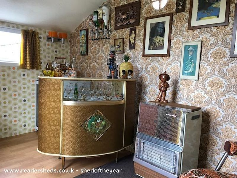The Retro Retreat by Louise Mayoh