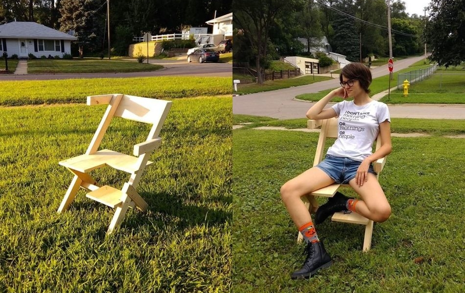 Man Builds Bi-chair for His Bisexual Daughter, Takes Internet by Storm