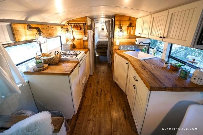 Converted School Bus Provides Amazing Glamping Experience in California
