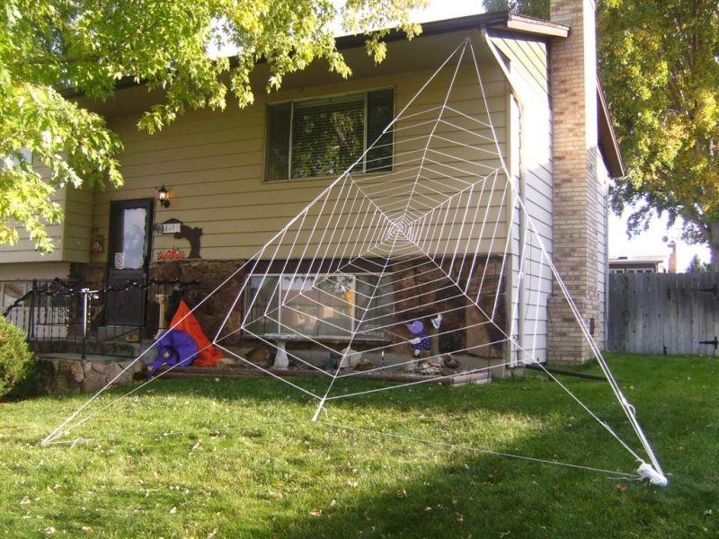 DIY Halloween Spider Web