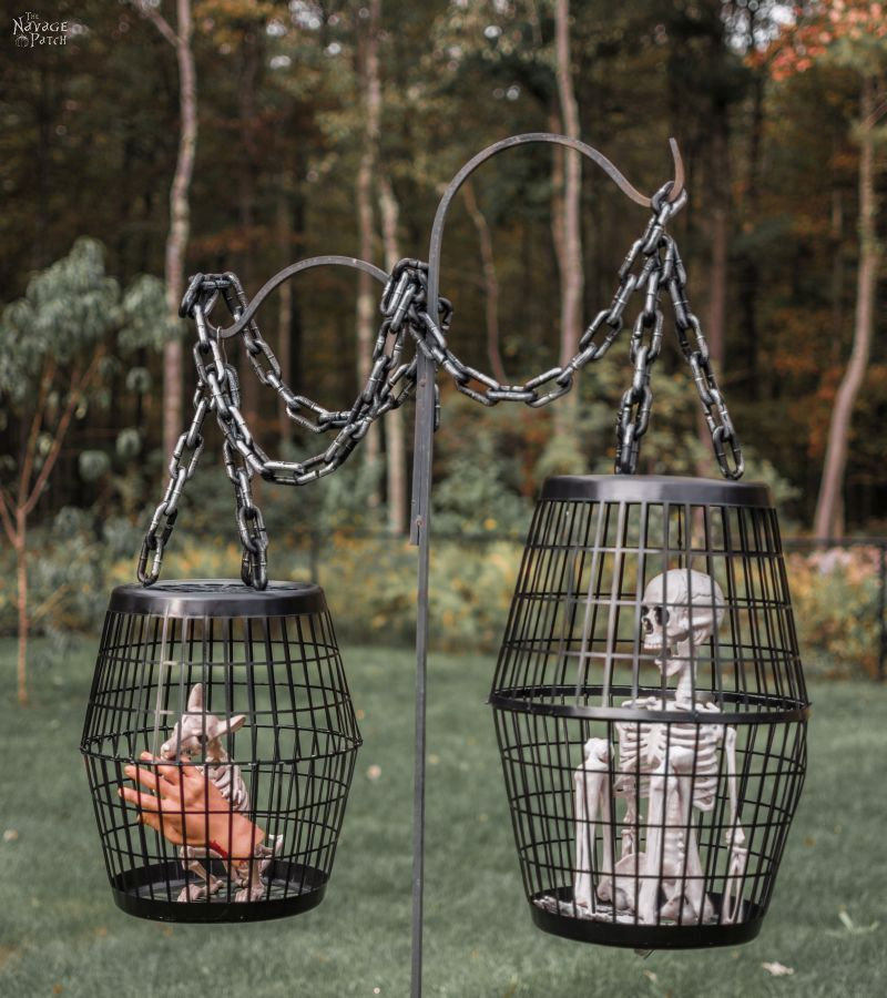 20+ DIY Outdoor Halloween Decorations You can Create at Home Easily