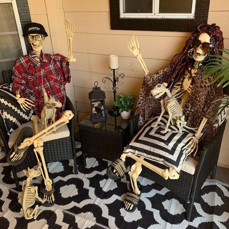30+ Skeleton Halloween Decoration Ideas for Outdoors