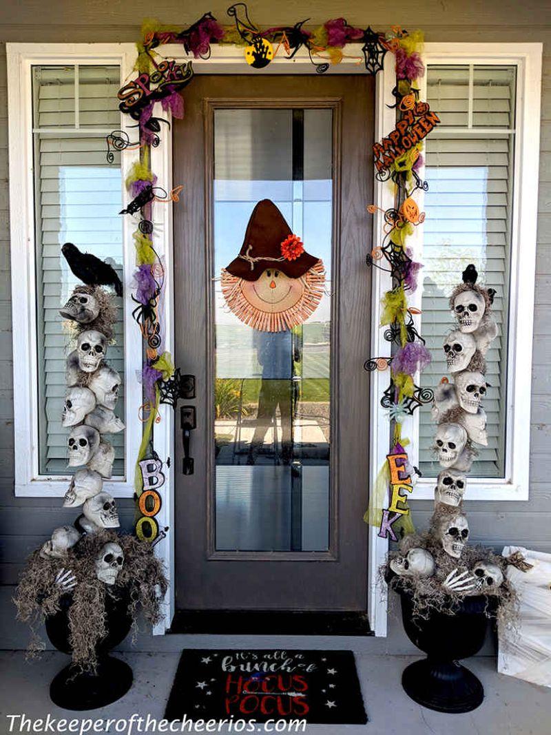 Skull entryway pots