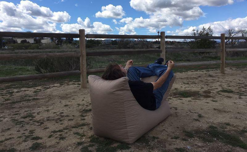 Zero Gravity Zen Beanbag Chair Provides Your Body Total Relaxation