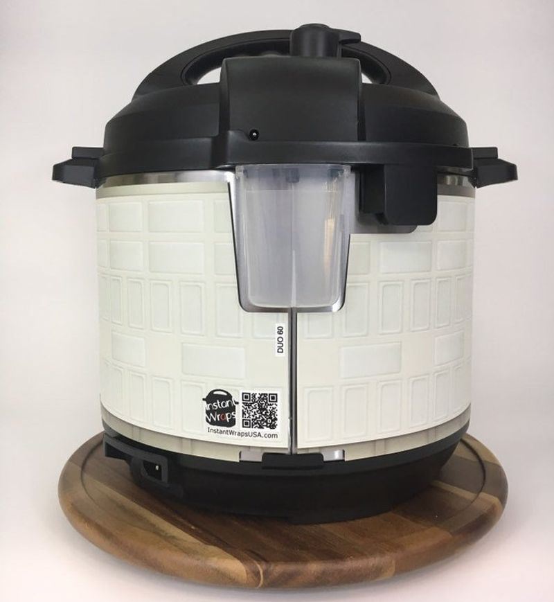 Instant Wraps Has Created an R2D2 Clothing for Your Pot