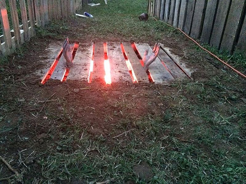 pallet wood halloween pit