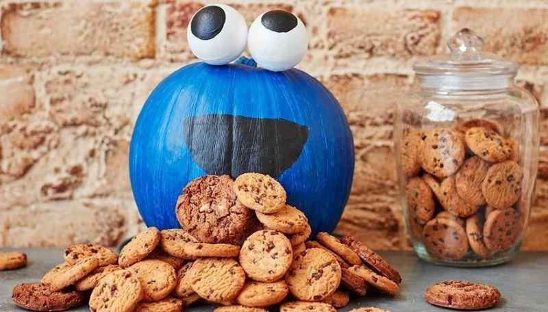 Cookie monster pumpkin painting