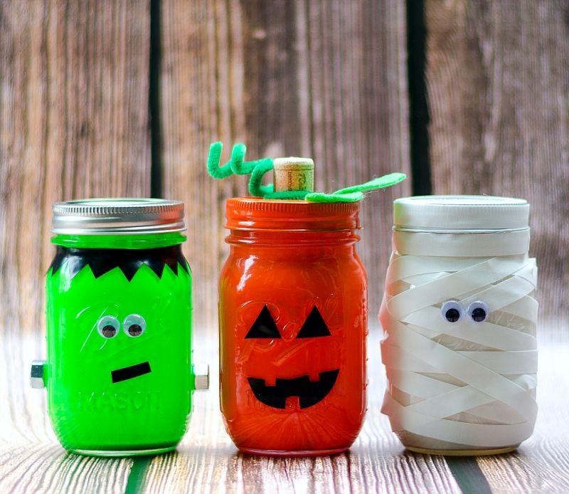 DIY mason jar mummy lantern