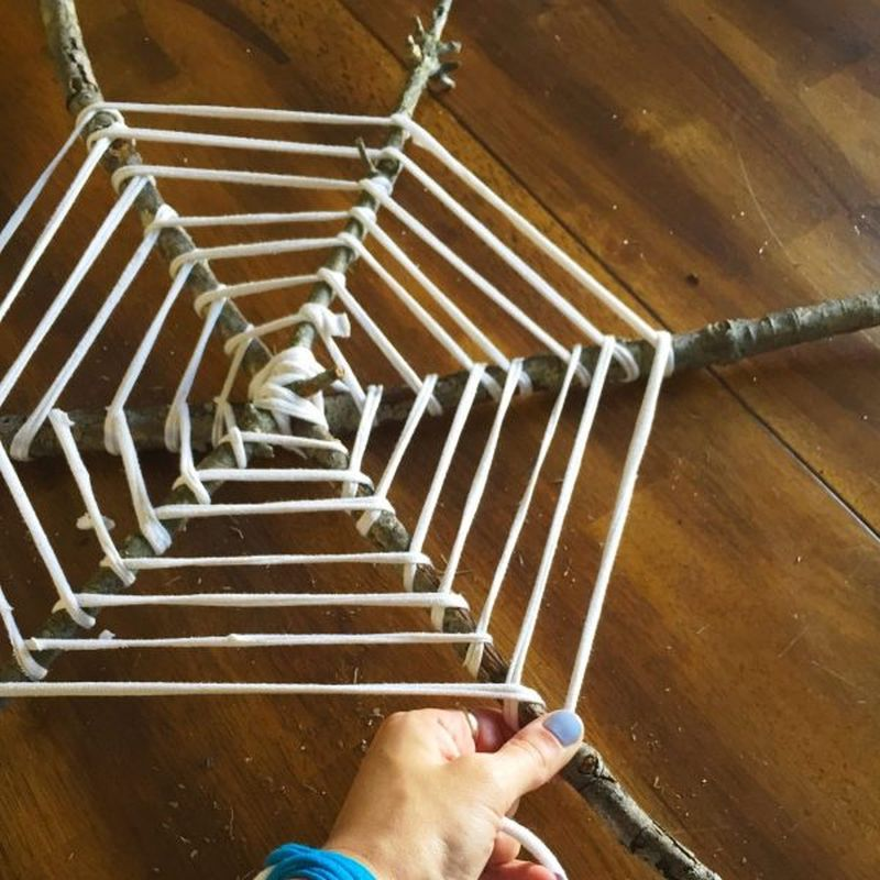 Easy-to-Make Spider Web Halloween Wreath for Front Door