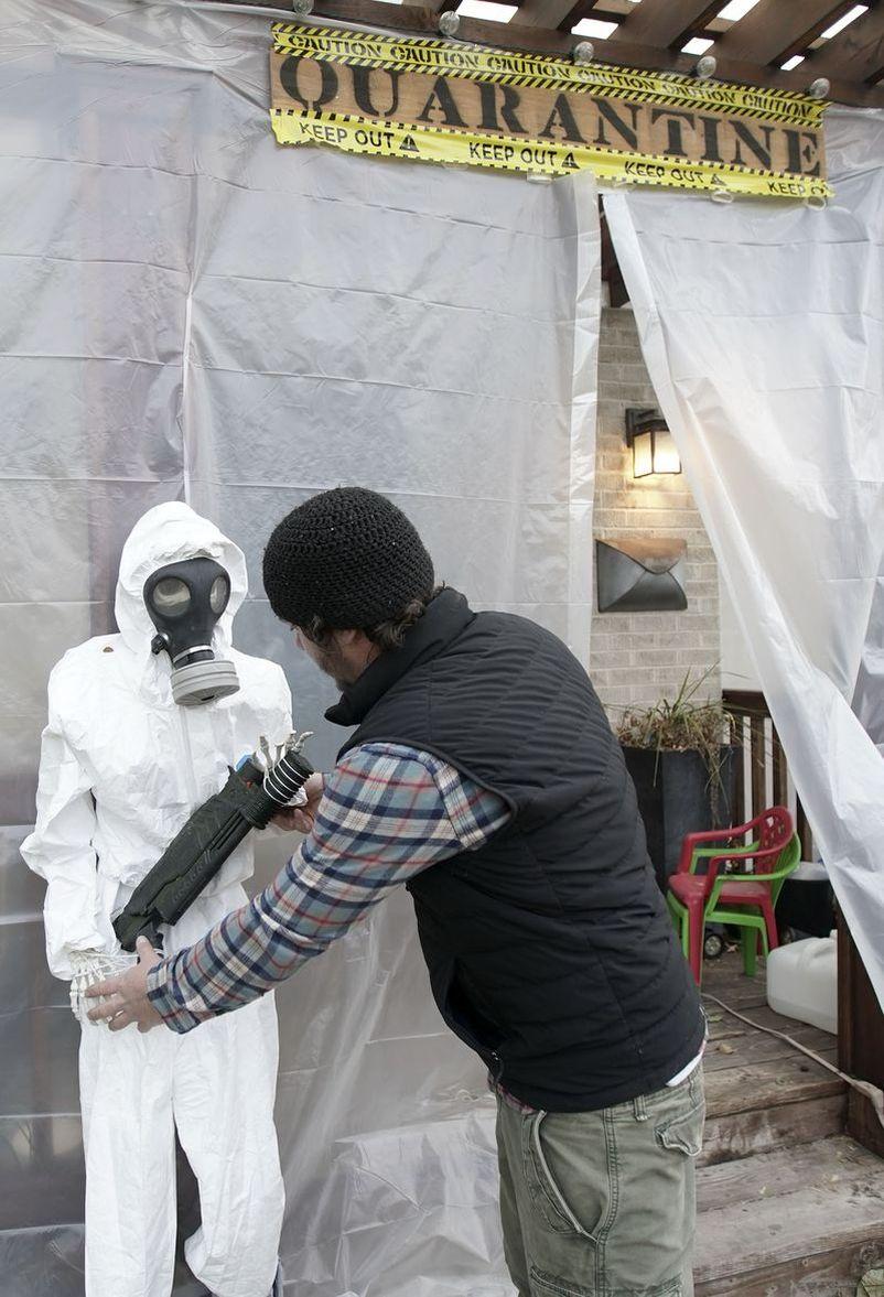 Man Builds Area 51 Halloween Display at His Home in Salt Lake City, Utah