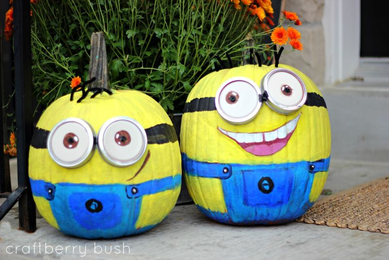 Minion pumpkin painting for Halloween