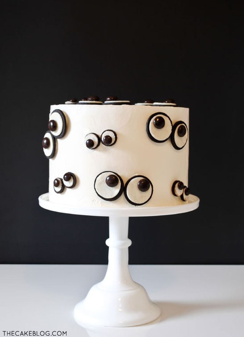 Simple Halloween cake with Oreo monster eyes
