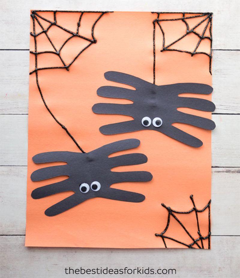 Spider handprint Halloween craft for kids