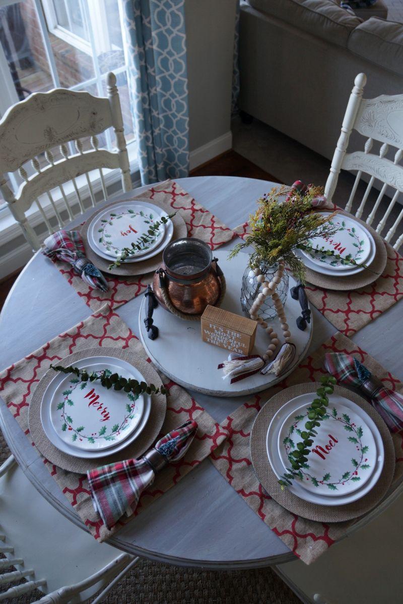 Casual Christmas table setting