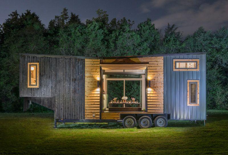 This Luxurious Gooseneck Tiny House Sleeps a Family of Six