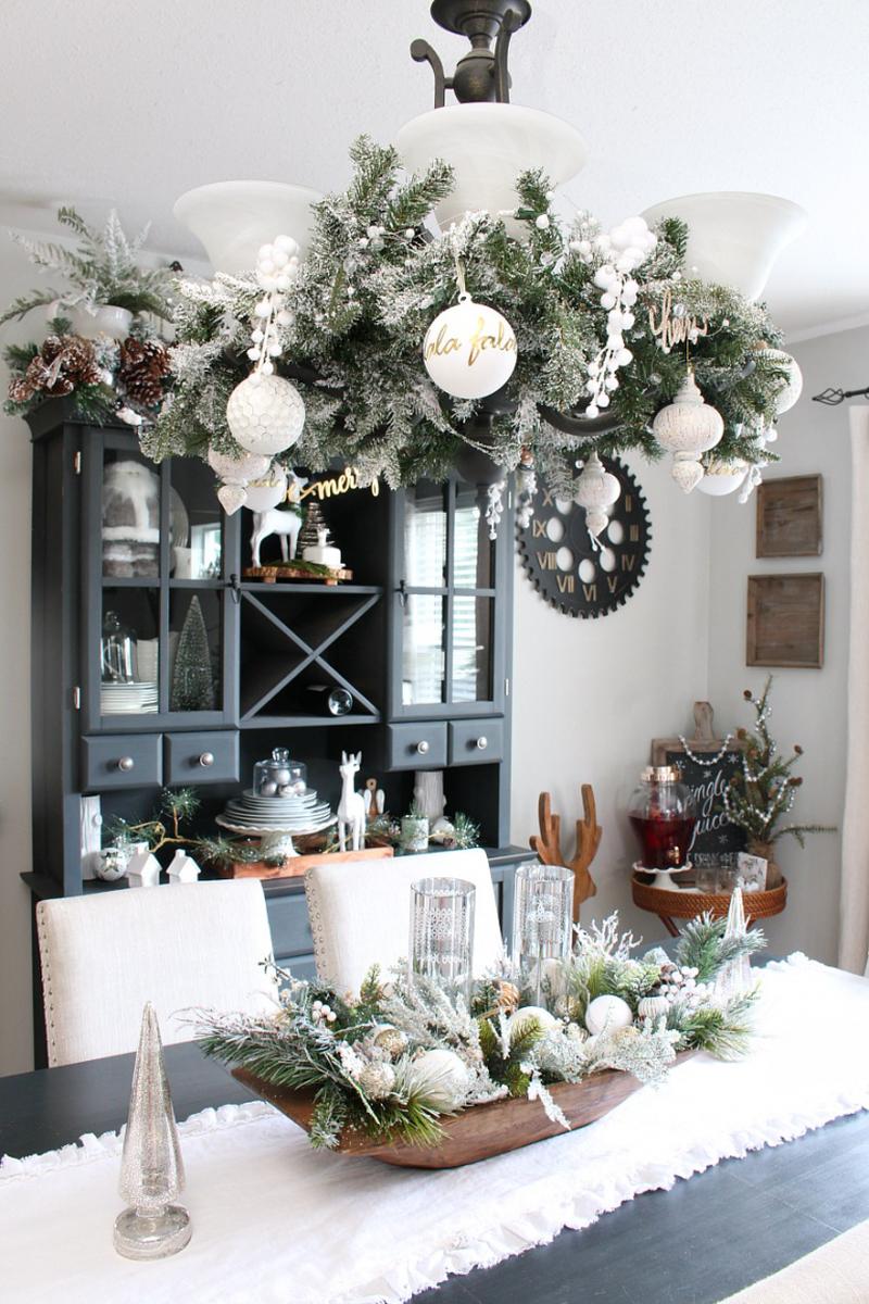Farmhouse style Christmas dining table