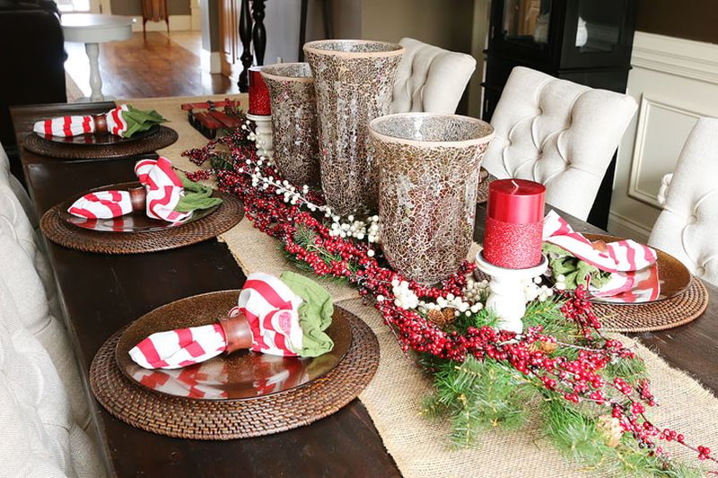 Rustic-inspired Christmas dining table